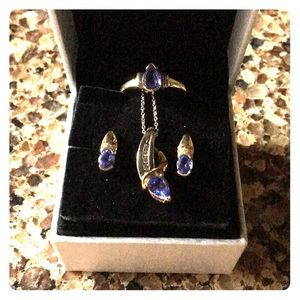 Set of necklace, earrings, tanzanite ring